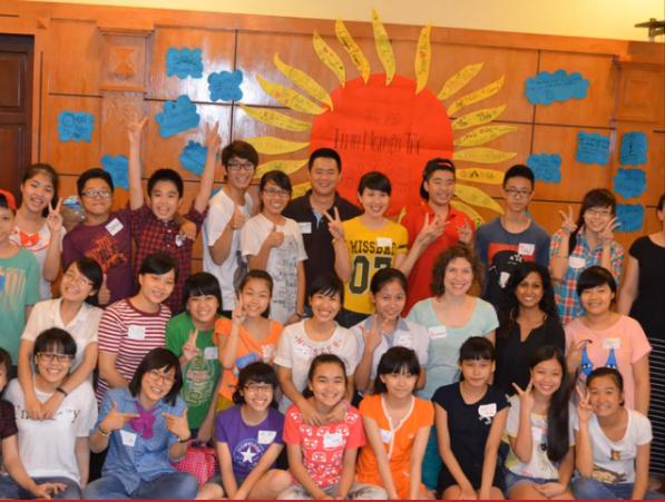 Nhóm tình nguyện trẻ giáo dục, truyền thông về giới, sức khỏe sinh sản tình dục